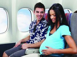 Có nên đi máy bay khi mang thai?